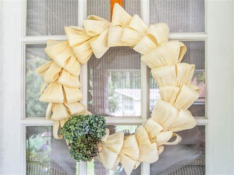 diy fall wreaths  dress   front door hgtvs