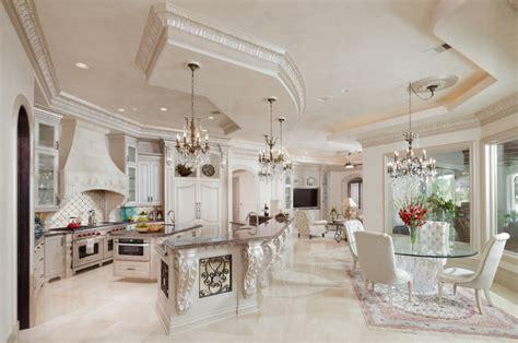 Grand And Elegant Kitchens
