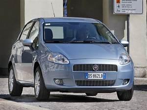 Fiat Grande Punto 2009 : 2009 fiat grande punto test drive chrysler 39 s first modern fuel efficient subcompact ~ Blog.minnesotawildstore.com Haus und Dekorationen