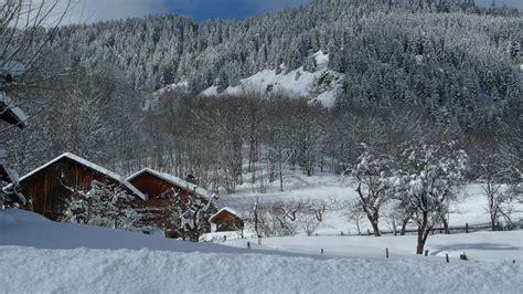 chalet a louer alpes du nord chalet niseko villa 224 louer 224 alpes du nord m 233 ribel villanovo
