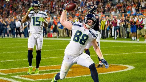 seahawks   dissly  targets  pick  doug