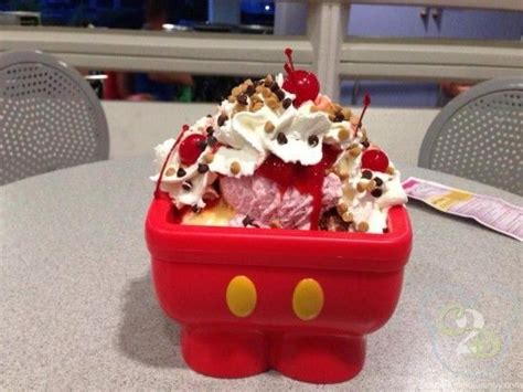 kitchen sink disneyland mickey kitchen sink dessert at plaza restaurant in magic