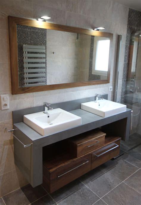 bureau beton cir meuble salle de bain en béton ciré photo 2 3 meuble en béton ciré et noyer vernis avec