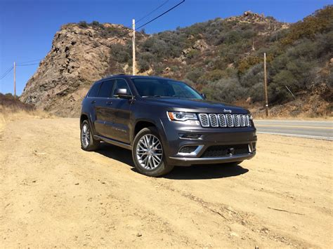 jeep summit 2017 first drive the sky 39 s the limit for 2017 jeep grand