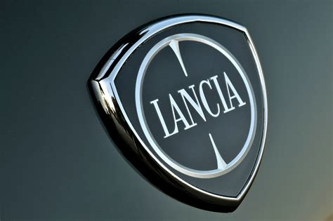 lancia ypsilon    anniversary