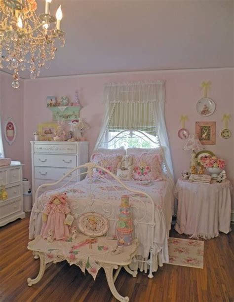 pink shabby chic bedroom beautiful chic bedroom in pink and white shabby chic 16754 | 58e947377d7cb19fee2202db6cd655f9