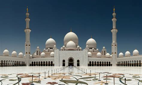 Top 10 Beautiful & Biggest Mosques In The World Hit List