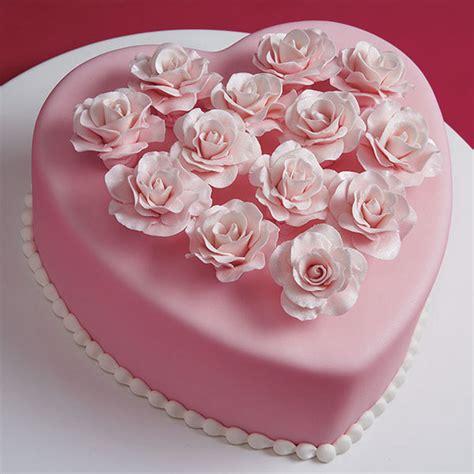 How To Use Cake Decorating Tips by Baker S Dozen Rose Cake Wilton