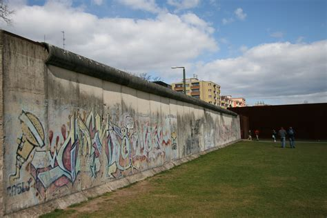 Wall Berlin by Berlin Wall Memorial Gedenkst 228 Tte Berliner Mauer