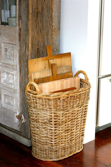 clever ways  store cutting boards   kitchen