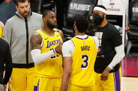 Anthony Davis bounces back as Lakers take Game 2: 3 takeaways