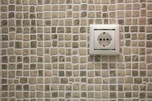Prise Electrique Salle De Bain : prise pour rasoir normes pr cautions prix ooreka ~ Dailycaller-alerts.com Idées de Décoration