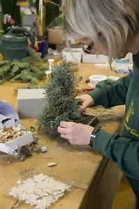 Weihnachtsbaum Aus Draht : kreativ idee mini weihnachtsbaum als adventsdeko mein sch ner garten ~ Bigdaddyawards.com Haus und Dekorationen