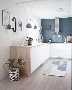 Cuisine bleue et blanche finest cuisine en bois for Cuisine bleue et blanche