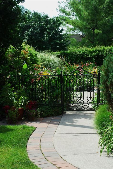 17 best images about beautiful buffalo garden walk on