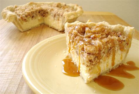apple cheesecake crumb pie dessert