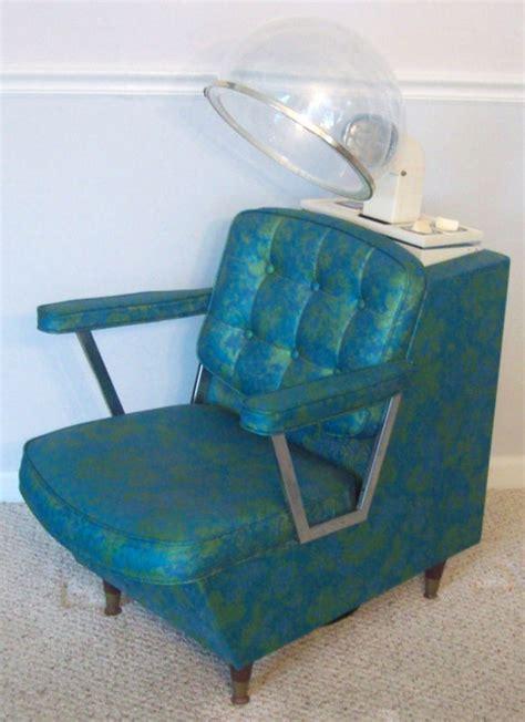 a cool retro salon chair i d fall asleep in this thing