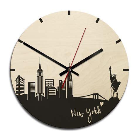 wanduhr new york holz wanduhr skyline new york rund wall de