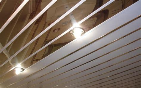 plafond pvc cuisine plafond lambris pvc pour cuisine à etienne prix du