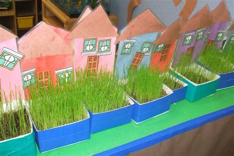 creative preschool recycled neighborhood 432   180670416f68ae8d664f6d5f2a607a6a