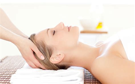 Ancient therapy still popular today - Indian head massage ...