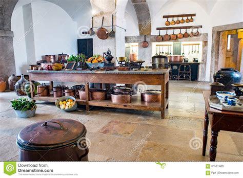 pots cuisine d馗oration vieille cuisine m 233 di 233 vale de ch 226 teau avec l 233 quipement et