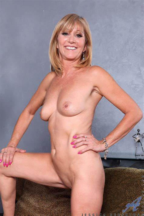 Mature Sex Anilos Mature Women Gallery