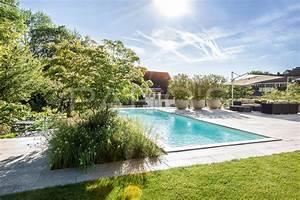 Gartengestaltung Mit Pool : garten mit nat rlichem swimming pool gartengestaltung ~ A.2002-acura-tl-radio.info Haus und Dekorationen
