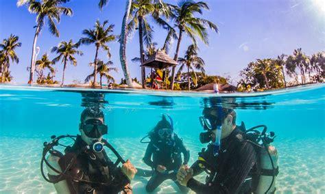 Bahamas & Virgin Islands Yachting Guides - Yachtsman's Guide