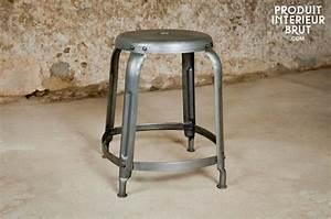 Table De Nuit Metal : tabouret industriel en table de nuit ~ Carolinahurricanesstore.com Idées de Décoration