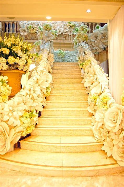 modern wedding giant paper flower decor  weddbook