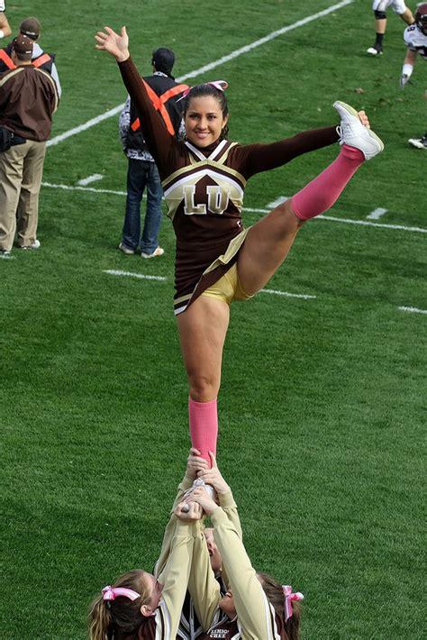 cheerleader life  amazing feats  cheerleading