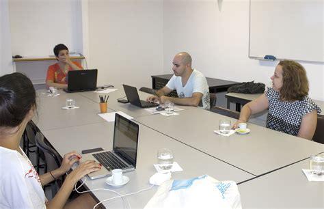 A partir da esquerda, Rossana Rocha Reis, André Bueno ...