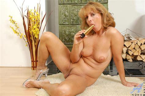 freshest mature women on the net featuring anilos koko milf tgp