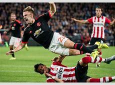 Luke Shaw Mengalami Cedera Patah Kaki Saat Melawan PSV