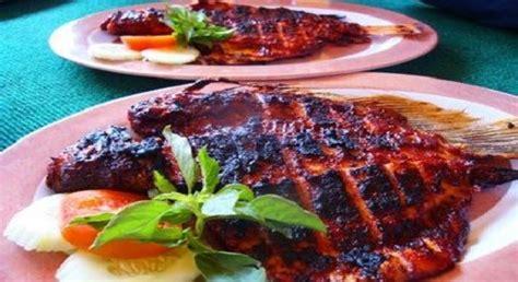 Resep ikan bakar khas minang atau ikan bakar bumbu padang disini saya tulis resep untuk 1 kg ikan bumbu yang dihaluskan hi foodies, saya mengajak kamu buat merasakan suasana bali di rumah. Kakap Bakar Bumbu Bali / Sup Kepala Ikan Salmon Mr An ...