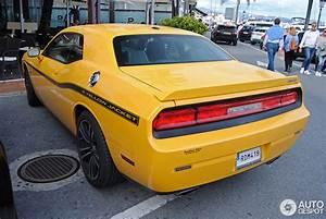 2017 Dodge Challenger SRT8 392 Yellow Jacket | Car Photos ...