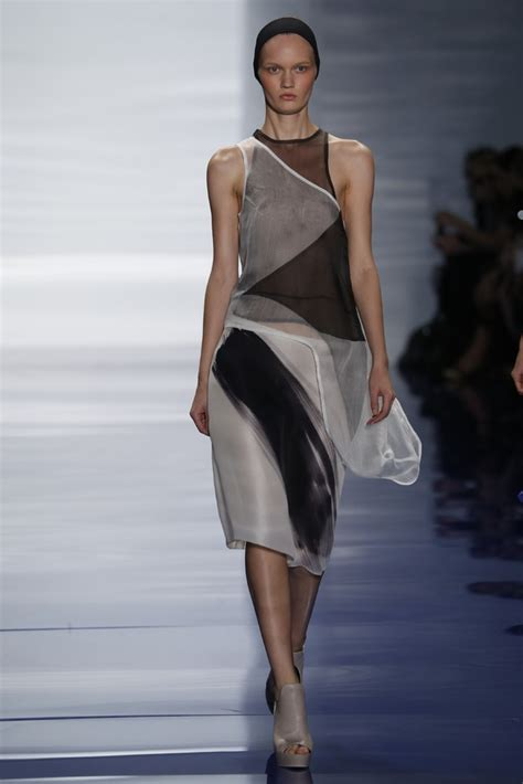 vera wang spring  ready  wear fashion week