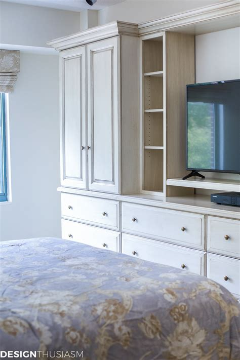 Light Bright Downsize by Downsizing Tips How To Keep The Bedroom Light And Bright