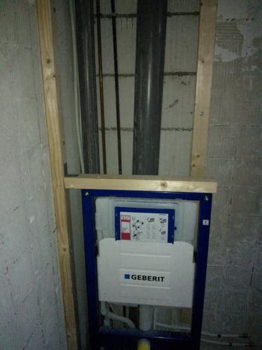 hangend toilet afwerken frame hangtoilet aan muur bevestigen en ombouw maken van