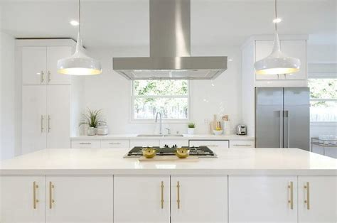 White Kitchen Gold Eye by 25 Best Ideas About White Quartz On White