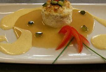 petite mousseline de poisson au cerfeuil sauce vin blanc