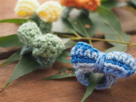 hand crocheted ring  decorative crochet bow french