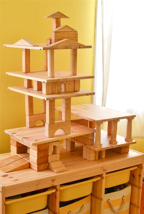 build doll houses garages  towers  wooden blocks