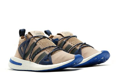Sepatu Adidas Arkyn Boost 2018, Lacing System-nya Unik !