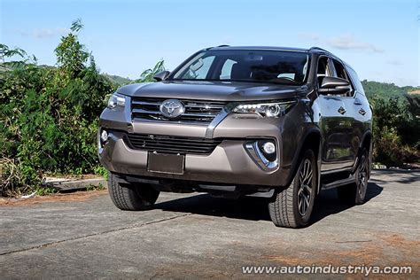 toyota fortuner   car reviews