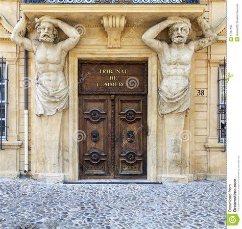 chambre des commerces aix en provence entrée du tribunal de commerce dans aix en provence image