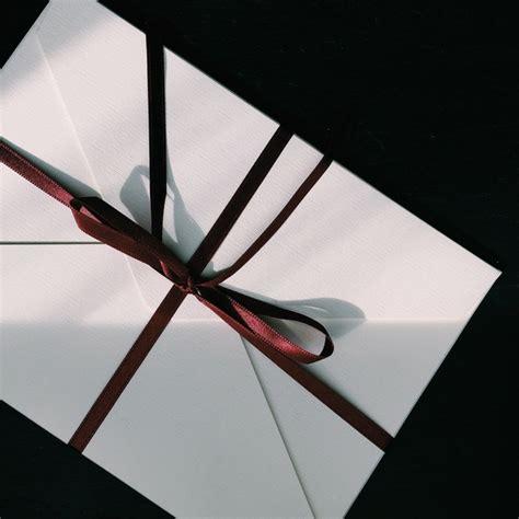 Günstig und einfach bestellen bei mercateo, der beschaffungsplattform für geschäftskunden. Weiße Briefumschläge und ihre wichtige Verwendung im täglichen Leben