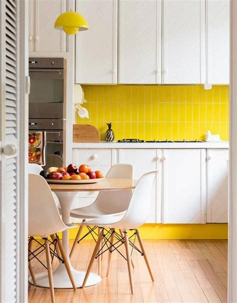 yellow kitchen tile yellow kitchen cabinets and decor eatwell101 1221