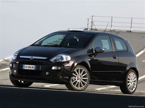 fiat punto evo pictures stills images  wallpapers